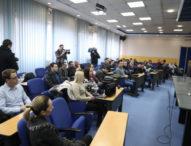 Protest u Tuzli zbog grubog kršenja slobode novinara