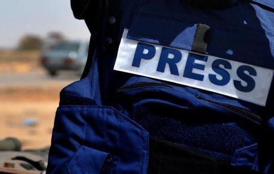 Human Rights Watch o slobodi medija u BiH: Veliki broj slučajeva napada i prijetnji novinarima