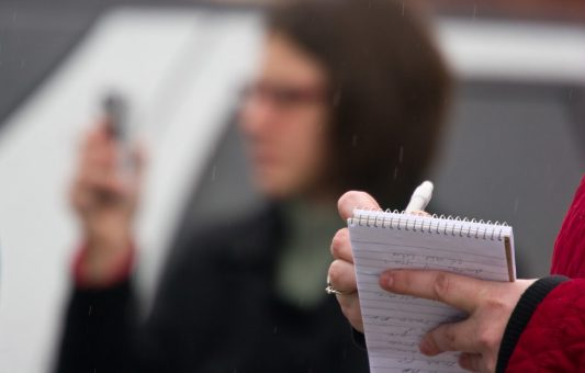 Anketa o utjecaju COVID-19:  Više od 10 posto novinarki u BiH ostalo bez prihoda, preko 77% navode da im je narušena psihička stabilnost