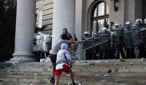 SafeJournalists: Srbijanska policija da osigura bezbjednost medijskih radnika na protestima