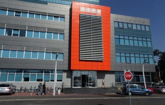 Banja Luka: Uhapšena osoba koja je uznemiravala novinare RTRS-a