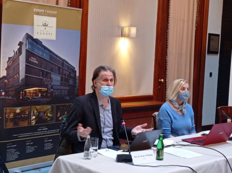 Istraživanje BH novinara: Lokalni mediji na udaru politike, a novinari podložni (auto)cenzuri
