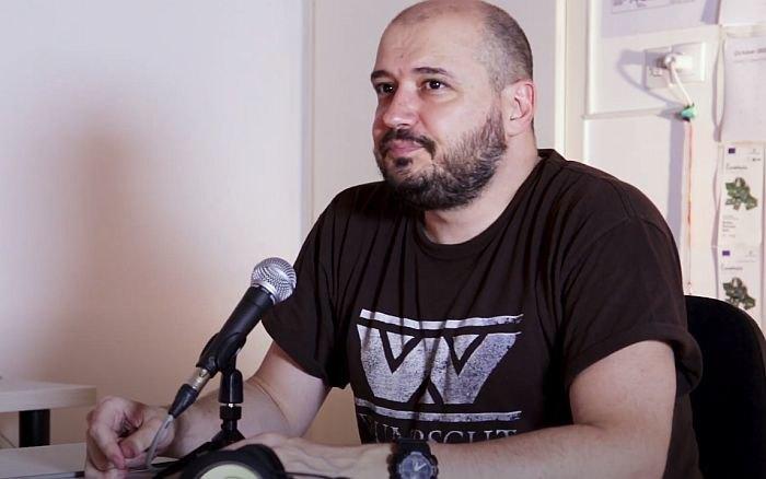 Šipkama napadnut novinar Daško Milinović