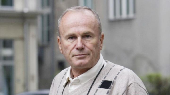 "Preminuo Sinan Alić, novinar i predsjednik Fondacije ""Istina Pravda Pomirenje"""