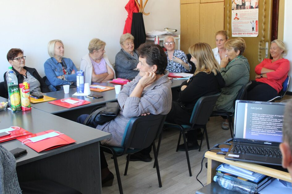 A workshop on media literacy was held for marginalized categories of women