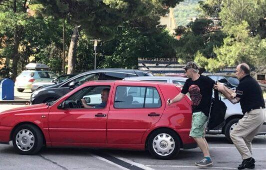 Sud u Mostaru novčano kaznio muškarca koji je oštetio opremu novinaru Oručeviću
